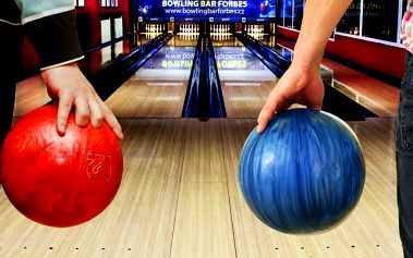 2 hodiny na profesionální bowlingové dráze