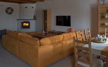 Ubytování na jižní Moravě v apartmánu přímo nad vinným sklípkem