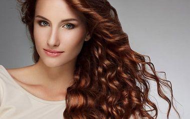 Péče o vlasy v kadeřnictví Evita v Brně i s občerstvením