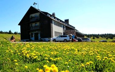 3–6denní pobyt s polopenzí a saunou v hotelu Dvorská bouda v Krkonoších pro 2