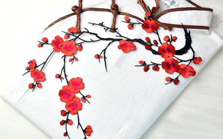Nášivka na oblečení - rozkvetlá větev