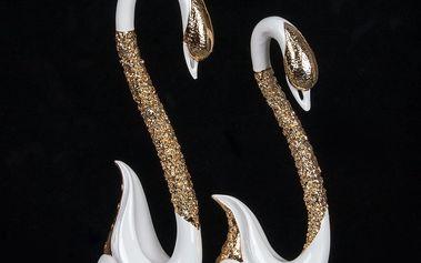 Socha dvou labutí se zlatým krkem
