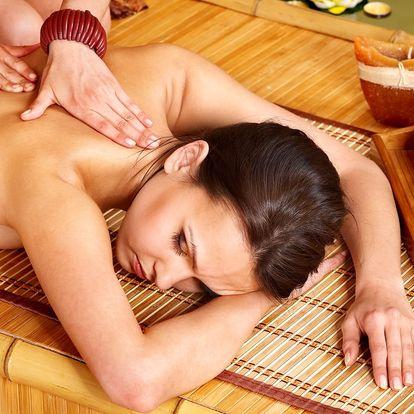 Terapeutická masáž zad a šíje včetně zábalu