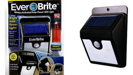 Solární venkovní LED osvětlení s pohybovým senzorem