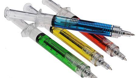 Propiska ve tvaru injekční stříkačky s kapalinou uvnitř