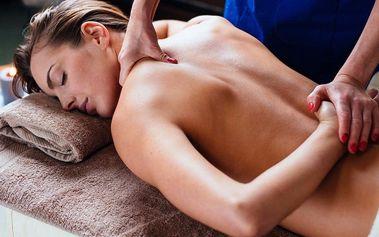 50 minut kancelářské masáže proti bolavým zádům