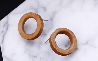 Dřevěné náušnice ve tvaru kroužků - 3 barvy