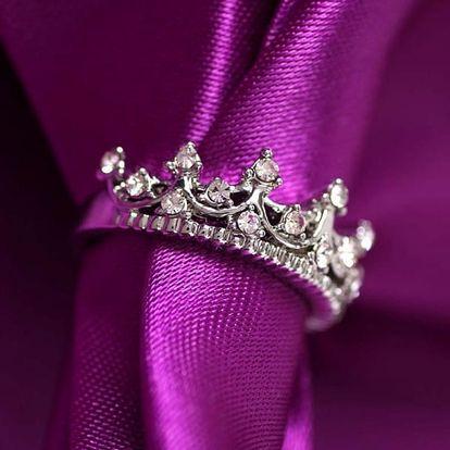 Dámský prstýnek v podobě korunky