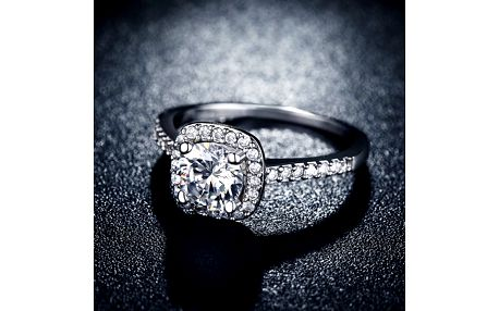 Dámský prstýnek s velkým kamínkem