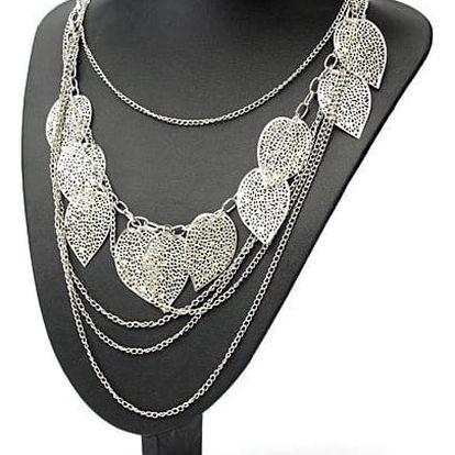 Výrazný vícevrstvý náhrdelník s lístky