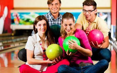 Hodinový pronájem bowlingové dráhy až pro 6 hráčů v BowBaru na Praze 3
