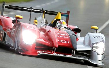 Zájezd na slavný automobilový závod v Le Mans