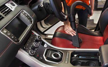 Ruční mytí interiéru vozidla včetně tepování