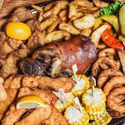 Dobroty z masa i sýrů a přílohy pro celou partu