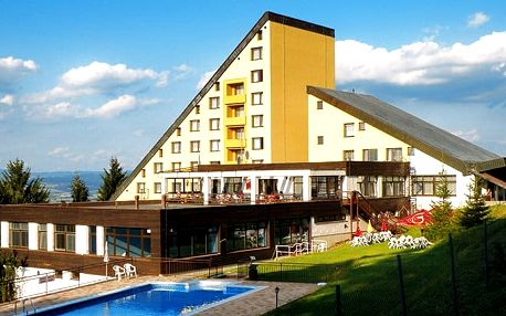 3–4denní pobyt pro 2 s polopenzí a bazénem v hotelu Jelenovská v Bílých Karpatech