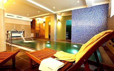 Wellness pobyt ve 4*hotelu Relax Inn pro dva, 1 hodina v relaxačním bazénu s odpočinkovou zónou.