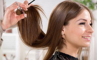 Střih, regenerace a melírování pro všechny délky vlasů