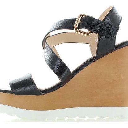 Černé platformové sandály Nellos