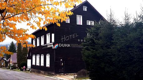 Jarní či letní pobyt v nově otevřeném hotelu Duha v Harrachově s polopenzí, dítě zdarma