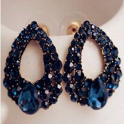 Náušnice s kamínky v podobě kapky v modré barvě - dodání do 2 dnů