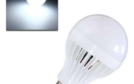 8W LED žárovka s pohybovým senzorem