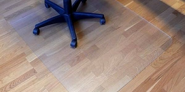 Podložka pod židli 140x100cm mléčná barva2