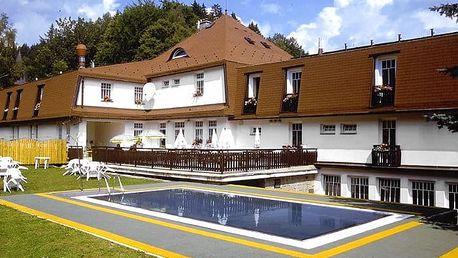 3–8denní pobyt s polopenzí a wellness v hotelu Prom*** v Krkonoších pro dvě osoby