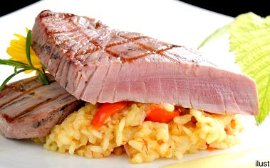 Grilovaný steak z tuňáka s krémovým rizotem