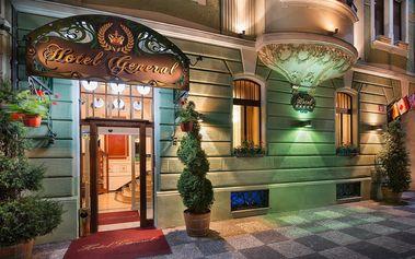 Saunování v 5* hotelu až pro 5 osob + karafa vody či víno a degustační masové prkénko, Praha