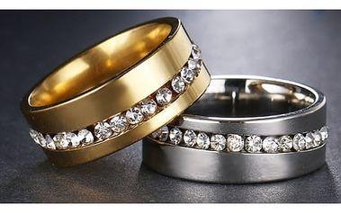 Dámský prsten s tenkou linií kamínků