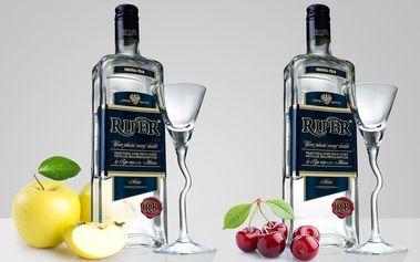 Do obou nohou: 2 lahve ovocného destilátu Riper