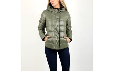 Bunda Replay W7995 Quilted jackets L Zelená