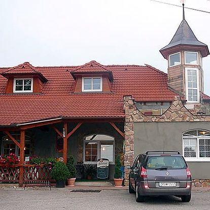 Odpočinkový pobyt na Moravě na 3-6 dní pro 2 osoby s polopenzí, sudovým vínem a bowlingem