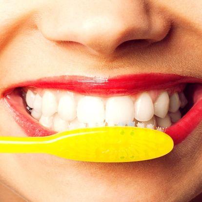 Dentální hygiena: odstranění kamene a leštění