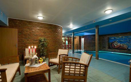 Grand Hotel Třebíč **** v historickém centru s polopenzí a neomezeným bazénem