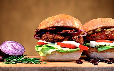 Jde to i jinak: veganský burger s hranolky