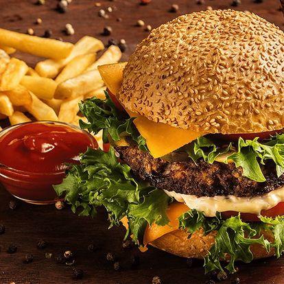 Na jídlo do Vagonu: šťavnatý burger a hranolky