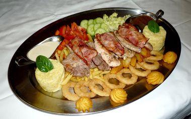 Rudolfovo fresh plato plné masa pro 2 osoby v Golemově restaurantu v Praze v Březiněvsi