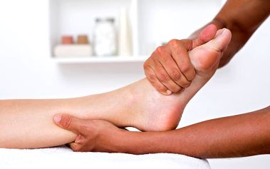 45 minut reflexologie a masáž plosky nohou