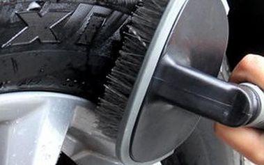 Kartáč na čistění kol od auta