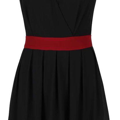 Černé šaty s vínovým lemem Apricot