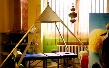 Relaxace v pyramidě: masáže rukou, nohou či zad