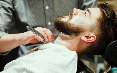 Stylový pánský střih a holení břitvou