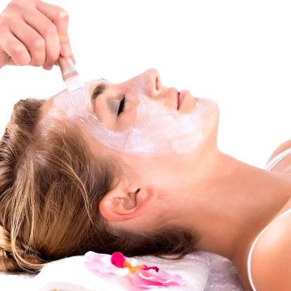 Hloubkové kosmetické anti-akné ošetření s laserem