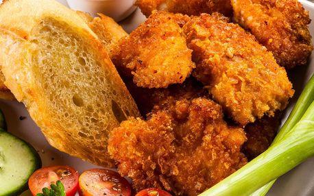 1 kg kuřecích řízečků s přílohou v hospůdce U Fíčků