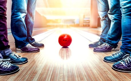 Jedna nebo dvě hodiny bowlingu až pro 8 hráčů