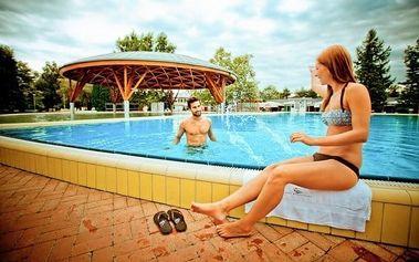 Bük s bazénem a vstupenkou do lázní
