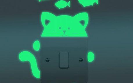 Svítící samolepka na vypínač - Kočička s rybičkami