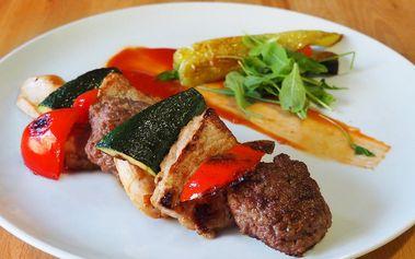 Dobroty z grilu: tři druhy masa a zelenina pro 2