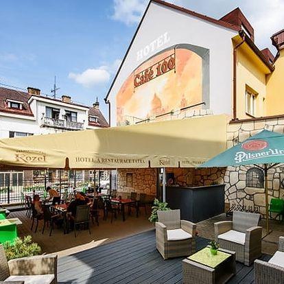Relaxační pobyt pro dva v hotelu Tatra s polopenzí, bowling, sauna, solná jeskyně, masáže, aj.
